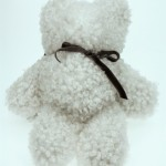 Nalle av lammskinn, vit